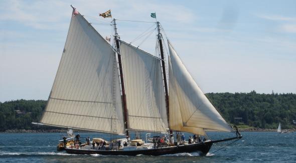 Schooner J&E Riggin under sail by Elizabeth Poisson